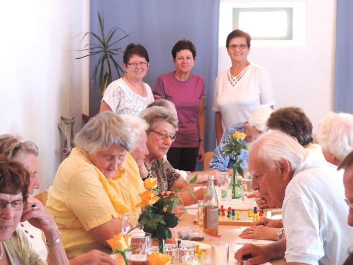 Seniorinnen und Senioren des Spielenachmittags